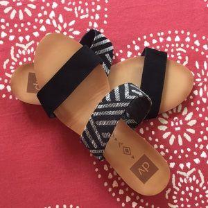 Super cute sandals size 10